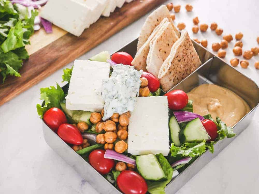 Vegetarian Greek salad meal prep is easy and tasty for work lunch